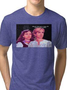 Guybrush and Elaine (final of Monkey Island 1) Tri-blend T-Shirt