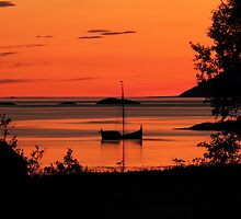 The old boat under the rising sun-II by Frank Olsen