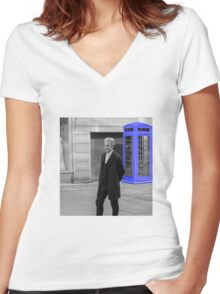 Doctor Who Mad Man In a Blue Box Women's Fitted V-Neck T-Shirt