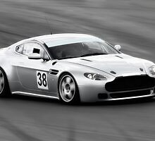Aston Martin Vantage by Nigel Bangert
