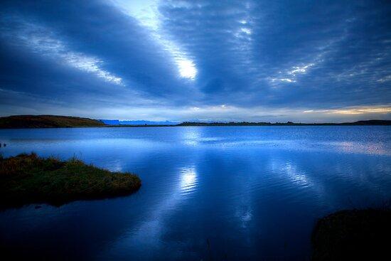 Lake in Kirkjubaejarklaustur by Béla Török