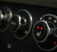 2010 Range Rover HSE Control Panel - Side View by Daniel  Oyvetsky