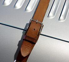 Bonnet strap by Pierre