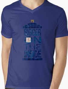 It's Bigger on the Inside - Tardis Grunge Mens V-Neck T-Shirt