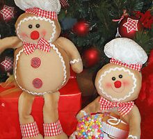 Gingerbread Men by emanon