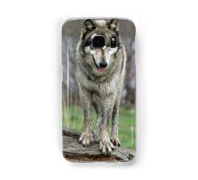 wolf standing on a log Samsung Galaxy Case/Skin