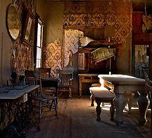 Old abandoned house by Jeffrey  Sinnock