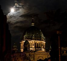 Moon, Church, Night. by tutulele