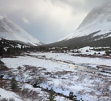 Elbow Pass valley VI by zumi