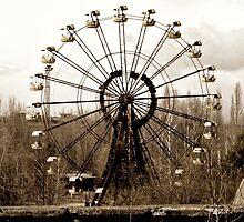 Ferris wheel in Pripyat fun fair by Wintermute69