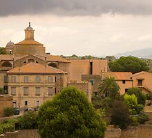 Tuscania by Ian Middleton