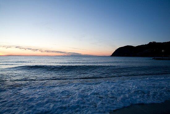 Levanto Beach sunset by Ian Middleton