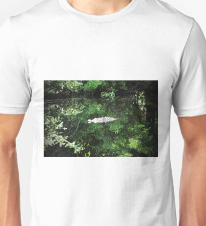 Alligator In The Middle Unisex T-Shirt
