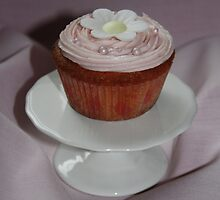 Pink Cupcake by AnnDixon