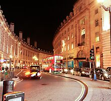 Night time walk in London by tazbert