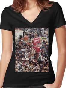 michael jordan chicago bulls Women's Fitted V-Neck T-Shirt