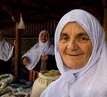 womens in bazaar by cananyasar