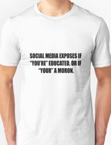 Social media vs Grammar T-Shirt