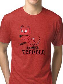 Here Comes Trouble - deux Tri-blend T-Shirt
