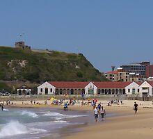 Nobbys Beach, Newcastle by DashTravels