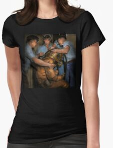 Steampunk - Diver - A load off my shoulders 1936 Womens Fitted T-Shirt