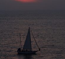 Peaceful sailing at the Pacific Ocean  by Bernhard Matejka
