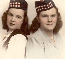 Sue & Gladys In 'Hats Wha Hae'.... Lewiston, NY by artwhiz47