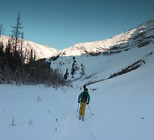 Skiing in Highwood  by zumi