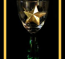 Goblet Christmas - gold star by Donuts