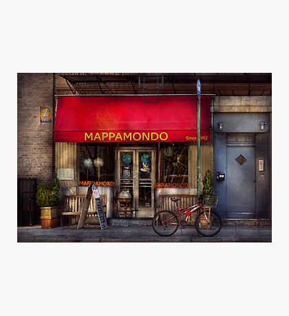 Cafe - NY - Chelsea - Mappamondo  Photographic Print