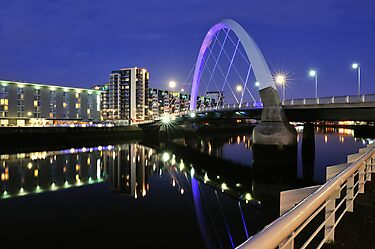 Glasgow, Squinty Bridge by TonyClerkson