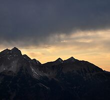 Light over the Mountain by Daidalos