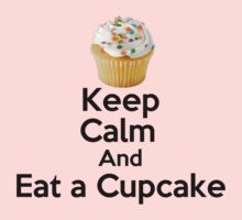 Keep Calm & Eat a Cupcake ( T-Shirt ) Kids Tee