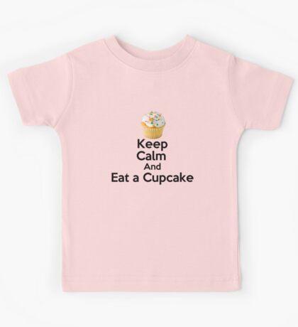 Keep Calm & Eat a Cupcake ( T-Shirt ) Kids Tee
