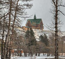 Hotel in winter by zumi