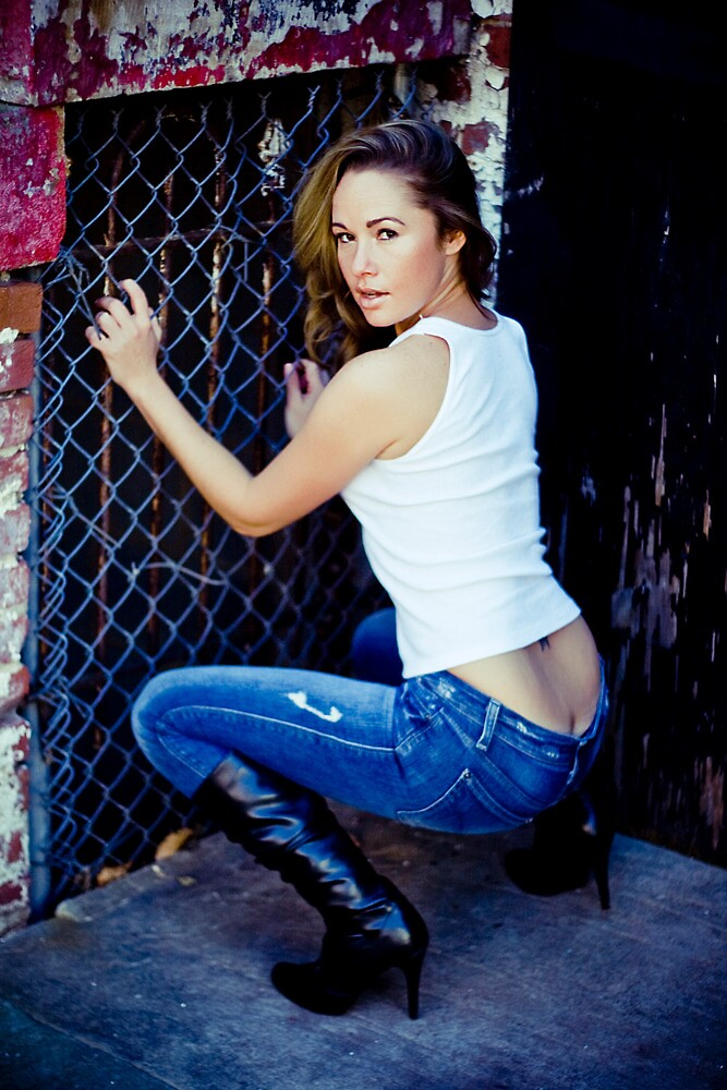 Tina in Blue Jeans-2 by ScaredylionFoto