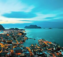 Aalesund in winter by Sunnivam