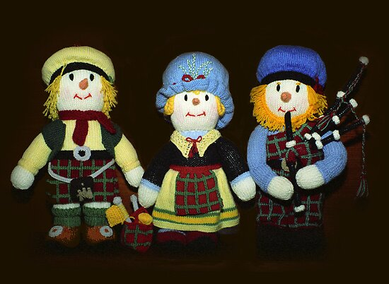 McScarecrow Family by Bev Pascoe