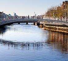 Ha'penny Bridge, River Liffey, Dublin, Ireland by Andrew Jones