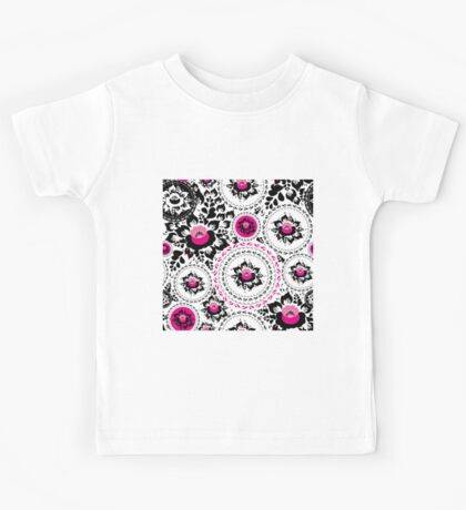 Vintage shabby Chic pattern with Pink and Black flowers  Kids Tee
