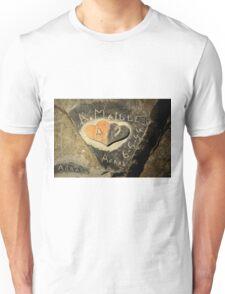 ww2 grafitti hearts underground Unisex T-Shirt