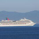 A ship is coming - un barco está llegando, Puerto Vallarta, Mexico by PtoVallartaMex