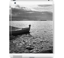 BOAT SEA SUNLIGHT AND HARBOR VINTAGE RETRO iPad Case/Skin
