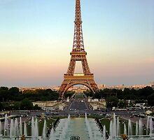 Setting on the Eiffel by kirkgunn