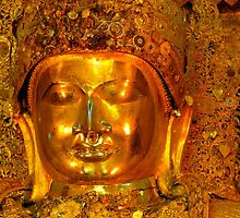 the golden Buddha by supergold