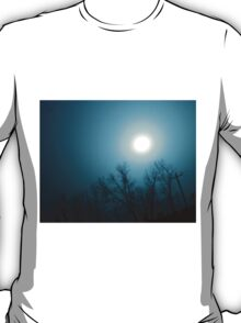 The Sun appears at Night T-Shirt