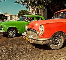 Cuban Yank Tank Taxis by Henny Boogert