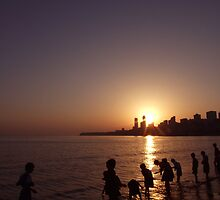 Sunset on Chowpatty Beach, Mumbai by jphenfrey