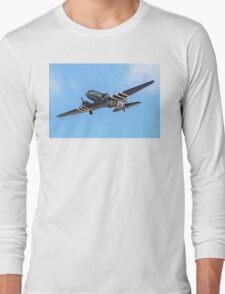 "Douglas Dakota C.3 ZA947 ""Kwicherbischen"" turning finals Long Sleeve T-Shirt"