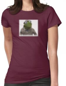 Blurred kermit reporter Womens Fitted T-Shirt